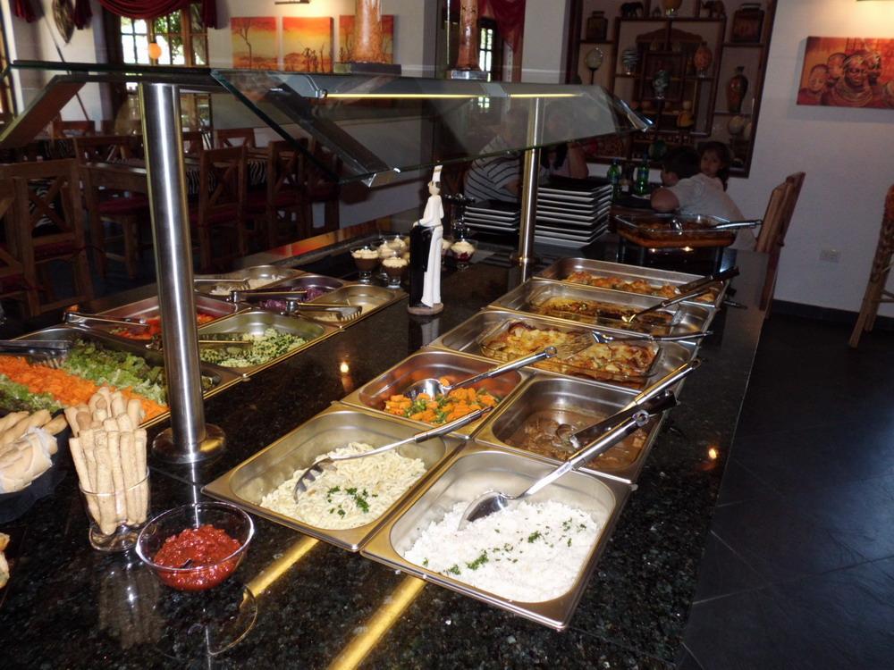 Büffet, verschiedene Gerichte